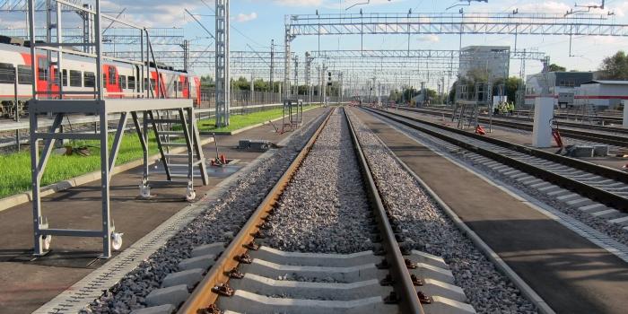 Punto de descanso, equipamiento y lavado de trenes eléctricos en la estación Andronovka de la Circular Central Ferroviaria