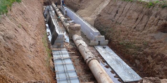 Инженерная защита канализационного коллектора под железнодорожной насыпью